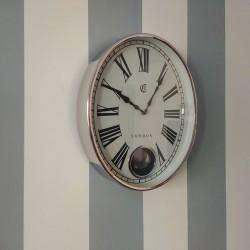 Niklowany zegar do salonu w stylu New York