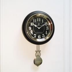 Czarno niklowany zegar z wahadłem