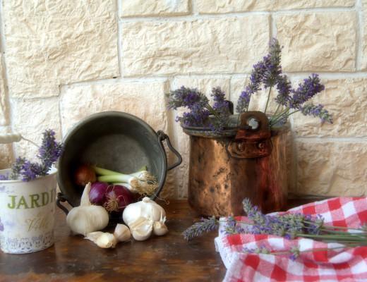 dodatki do kuchni w stylu prowansalskim