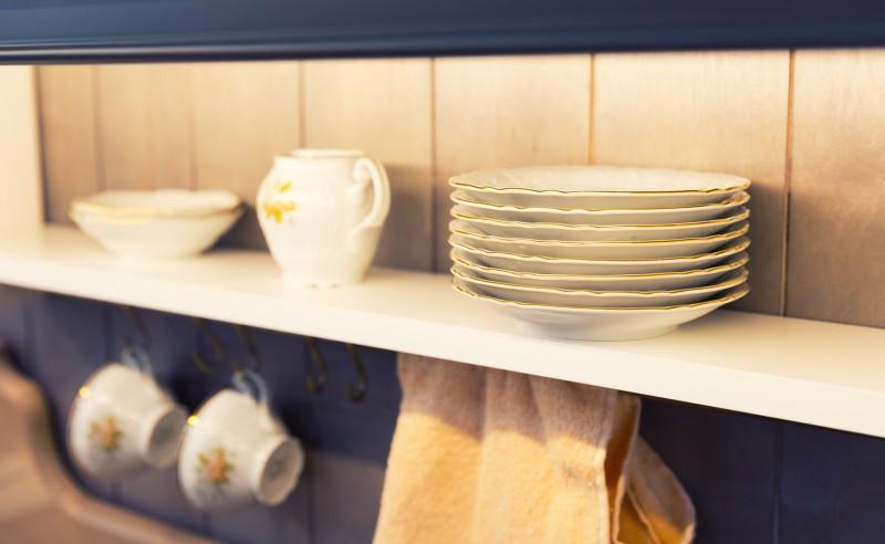 stylowa biała kuchnia akcesoria