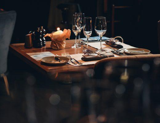 jak ozdobić stół jadalny