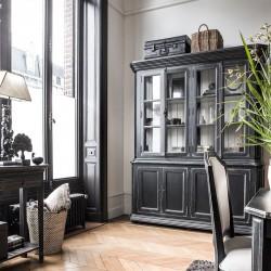 Czarna drewniana przeszklona biblioteka w stylu Elegant Classic