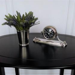 Niklowany zegar stojacy na komodę stolik Niklowany zegar stojacy na komodę stolik