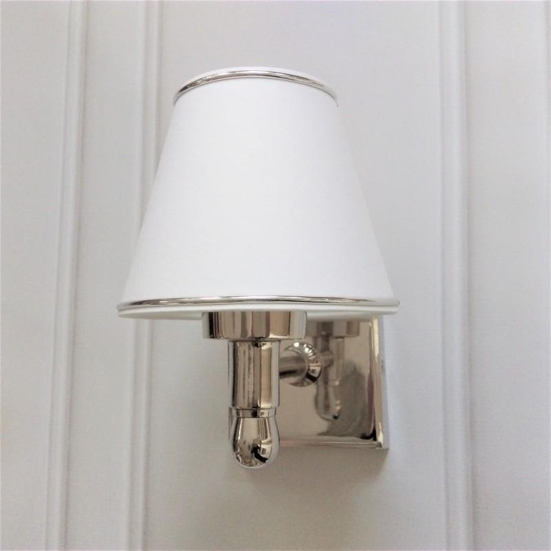 Mały kinkiet oświetlenie lustra łazienka