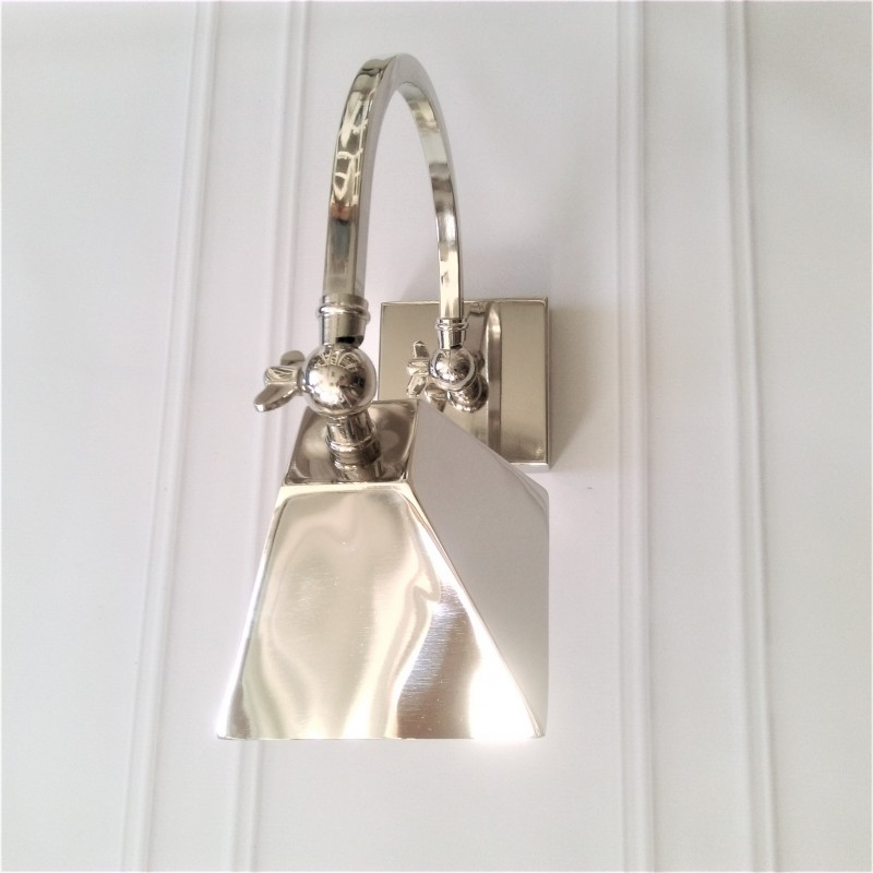 Nowojorski niklowany kinkiet nad lustro/łóżko