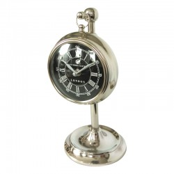 Elegancki zegar na nóżce do wnętrz New York