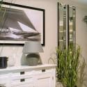 Wysokie dekoracyjne wąskie lustro na ścianę w lustrzanej ramie