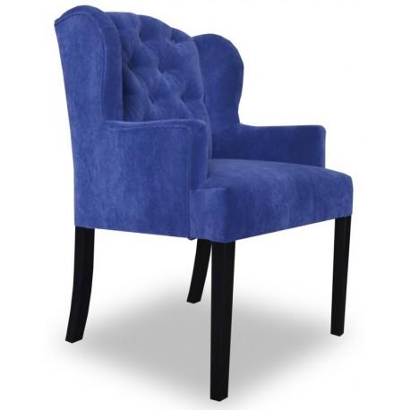 Wygodny fotel z pikowaniem chesterfield w modnym lazurowym kolorze
