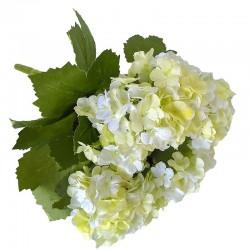 Subtelny bukiecik delikatnych kwiatów do sypialni