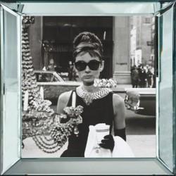 Obraz w lustrznej ramie Audrey Hepburn 50x50