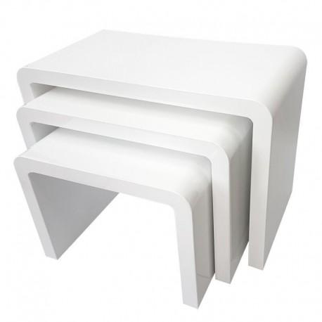 Zestaw trzech białych błyszczących stolików