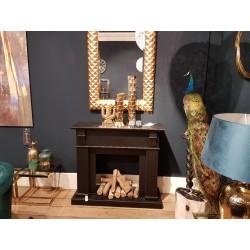Luksusowy czarny drewniany portal kominkowy do wnętrz Hamptons New York