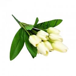 Eleganckie dekoracje wielkanocne białe tulipany