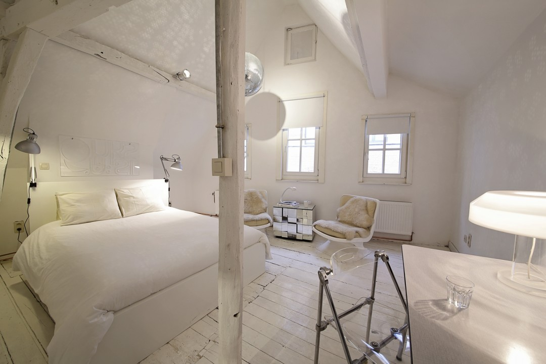 Kinkiety w stylu skandynawskim inspiracje i aran acje - Amenagement chambre de bonne ...